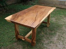 Meja-Solid-Trembesi-Natural-Kayu-Utuh