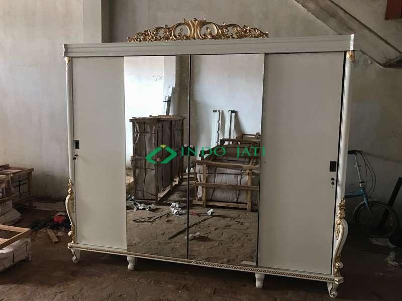 Almari Baju Klasik 4 Pintu