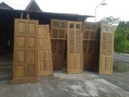 Aneka Pintu Kayu Jati Jepara