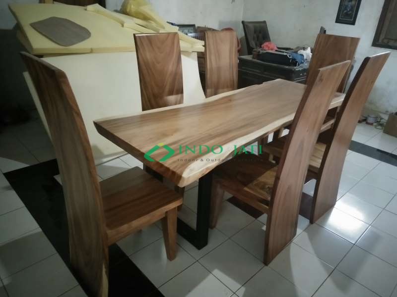 Kursi Makan Meja Solid Trembesi Ready Stock