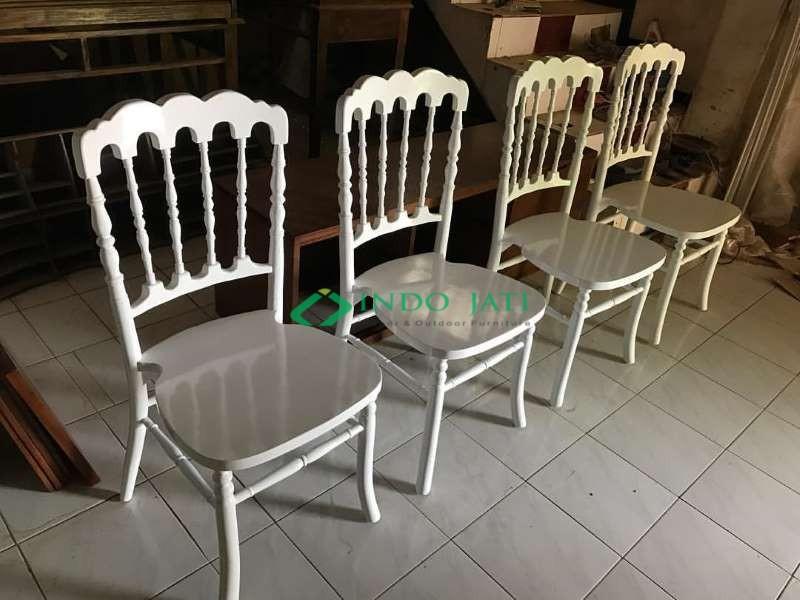 Kursi Tiffany Napoleon Duco Putih