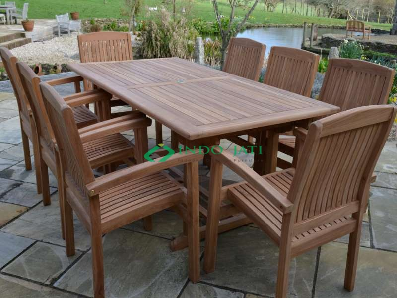 Set Kursi Stacking Outdoor Living