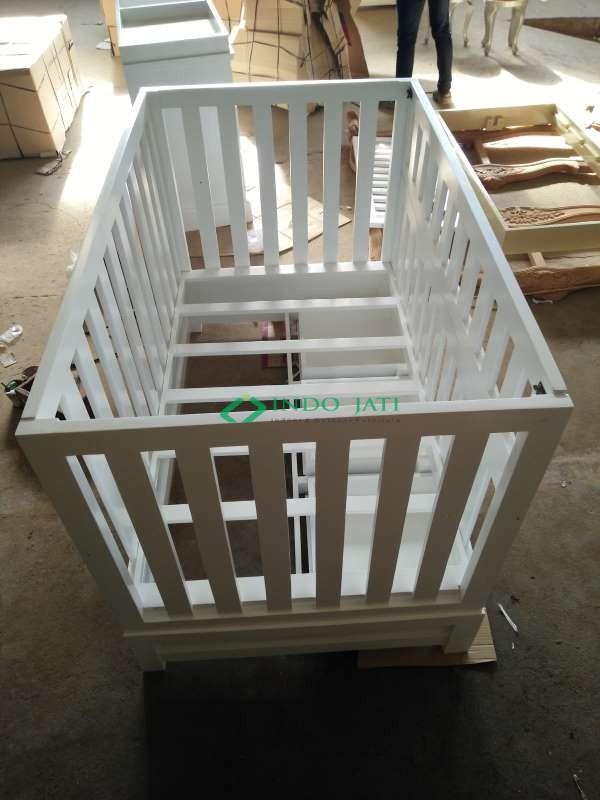 Box Bayi Minimalis Putih Murah