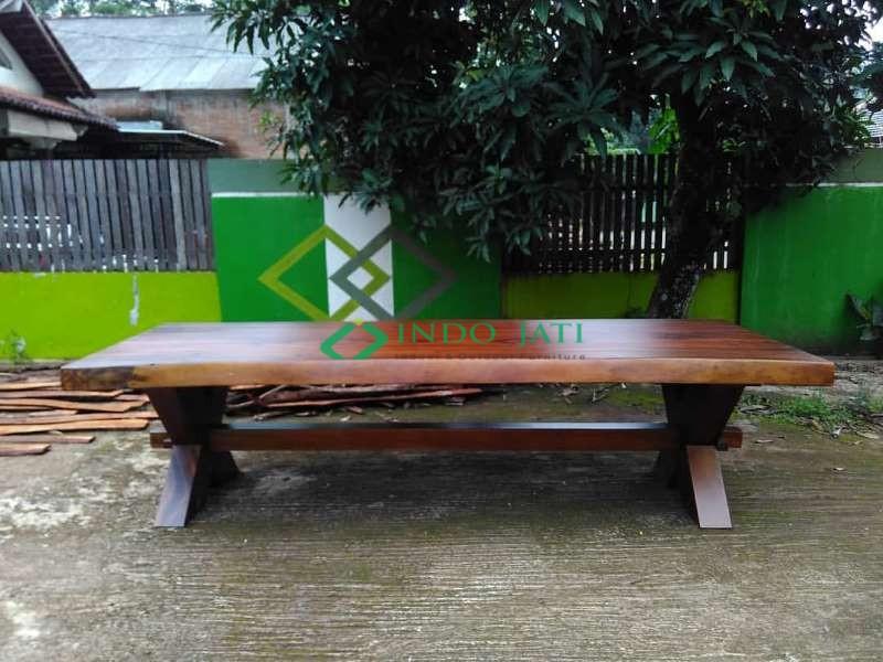 Meja Solid Suar Wood Jumbo