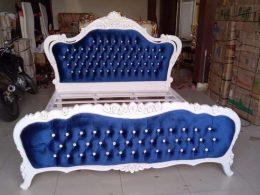 Tempat Tidur Klasik Mewah Duco Putih