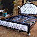 Tempat Tidur Mewah Klasik Black